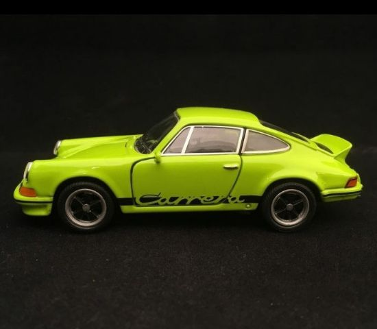 Picture of Pull-Back 911 Carrera RS 2.7 Toy, Green/Black