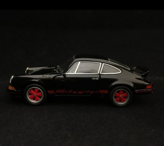 Picture of Pull-Back 911 Carrera RS 2.7 Toy, Black/Red